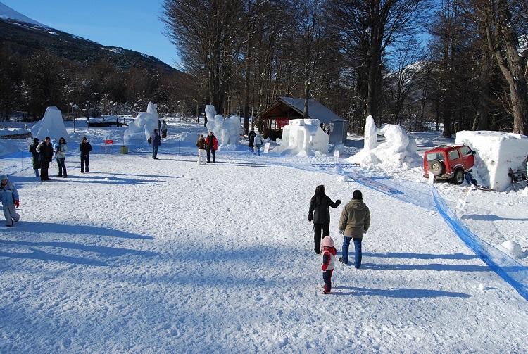 Festival De Esculturas En Nieve Ushuaia