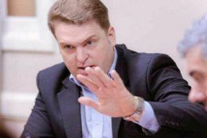 Von der Thusen presentó un pedido de informes a TV Fuego
