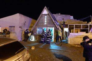 Pelea termina con dos heridos de gravedad y el secuestro de varias plantas de marihuana
