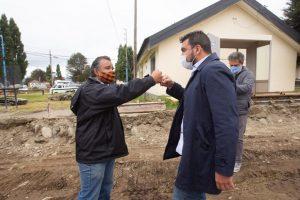 Comenzaron los trabajos en la calle grananniello en el barrio brown de Ushuaia y el intendente recorrió la obra
