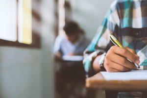 «Becas 100 años»: se abren las inscripciones para estudiantes de los cens