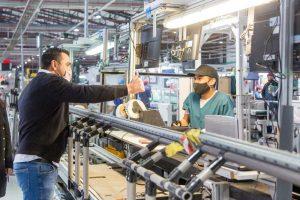 Vuoto y Yutrovic se reunieron con trabajadores industriales de las las plantas del Grupo Newsan